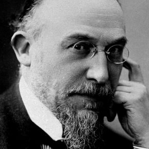 Here is Erik Satie, maybe the only real hero of the (not so) belle époque