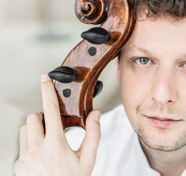 Our joyful and energetic show aims to chase fears away – says cellist István Várdai